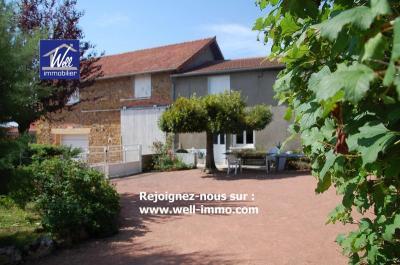 Maison Iguerande &bull; <span class='offer-area-number'>140</span> m² environ &bull; <span class='offer-rooms-number'>7</span> pièces