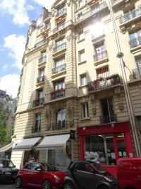 Commerce Paris 15 &bull; <span class='offer-area-number'>34</span> m² environ