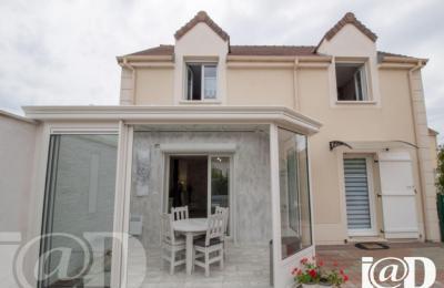 Maison Villiers sur Orge &bull; <span class='offer-area-number'>89</span> m² environ &bull; <span class='offer-rooms-number'>5</span> pièces