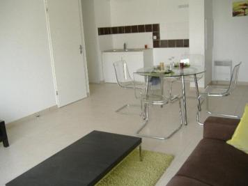 Appartement Cadaujac &bull; <span class='offer-area-number'>64</span> m² environ &bull; <span class='offer-rooms-number'>3</span> pièces