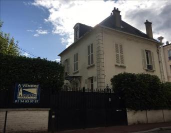 Maison Maisons Laffitte &bull; <span class='offer-area-number'>150</span> m² environ &bull; <span class='offer-rooms-number'>9</span> pièces