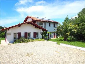 Maison Arbonne &bull; <span class='offer-area-number'>155</span> m² environ &bull; <span class='offer-rooms-number'>5</span> pièces