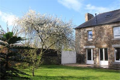 Maison La Fresnais &bull; <span class='offer-area-number'>118</span> m² environ &bull; <span class='offer-rooms-number'>5</span> pièces