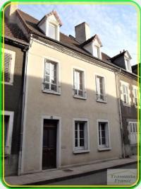 Maison Chambon sur Voueize &bull; <span class='offer-area-number'>133</span> m² environ &bull; <span class='offer-rooms-number'>5</span> pièces