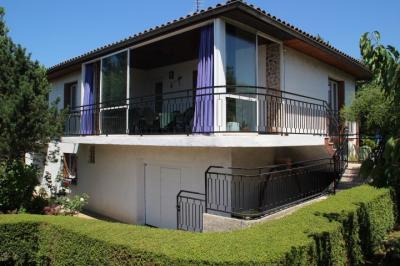 Maison Meyzieu &bull; <span class='offer-area-number'>150</span> m² environ &bull; <span class='offer-rooms-number'>6</span> pièces