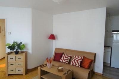 Appartement Courdimanche &bull; <span class='offer-area-number'>27</span> m² environ &bull; <span class='offer-rooms-number'>1</span> pièce