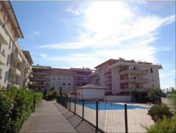 Appartement Carpentras &bull; <span class='offer-area-number'>47</span> m² environ &bull; <span class='offer-rooms-number'>2</span> pièces