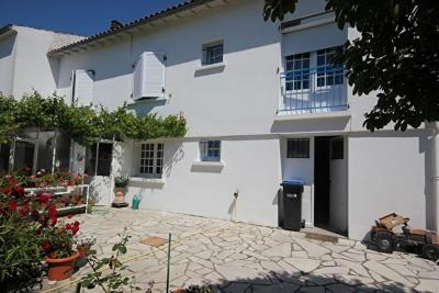 Maison Aytre &bull; <span class='offer-area-number'>120</span> m² environ &bull; <span class='offer-rooms-number'>6</span> pièces