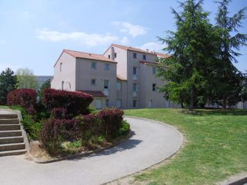 Appartement Montbrison &bull; <span class='offer-area-number'>67</span> m² environ &bull; <span class='offer-rooms-number'>3</span> pièces