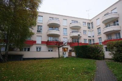 Appartement Plaisir &bull; <span class='offer-area-number'>31</span> m² environ &bull; <span class='offer-rooms-number'>1</span> pièce