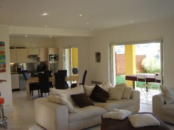 Maison La Gaude &bull; <span class='offer-area-number'>141</span> m² environ &bull; <span class='offer-rooms-number'>4</span> pièces