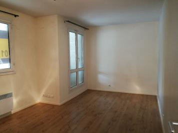Appartement Plaisir &bull; <span class='offer-area-number'>26</span> m² environ &bull; <span class='offer-rooms-number'>1</span> pièce