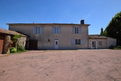 Maison Mauze Thouarsais &bull; <span class='offer-area-number'>104</span> m² environ &bull; <span class='offer-rooms-number'>4</span> pièces