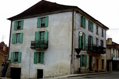 Maison Cazals &bull; <span class='offer-area-number'>166</span> m² environ &bull; <span class='offer-rooms-number'>6</span> pièces