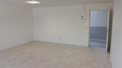 Bureau Roquefort la Bedoule &bull; <span class='offer-area-number'>160</span> m² environ