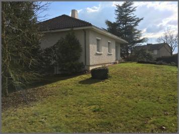 Maison Le May sur Evre &bull; <span class='offer-area-number'>93</span> m² environ &bull; <span class='offer-rooms-number'>5</span> pièces