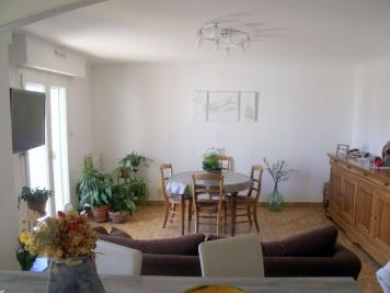 Appartement Marseille 11 &bull; <span class='offer-area-number'>71</span> m² environ &bull; <span class='offer-rooms-number'>3</span> pièces