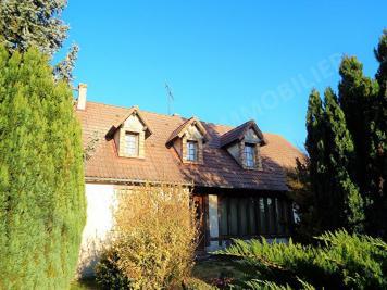 Maison Poulaines &bull; <span class='offer-area-number'>160</span> m² environ &bull; <span class='offer-rooms-number'>9</span> pièces