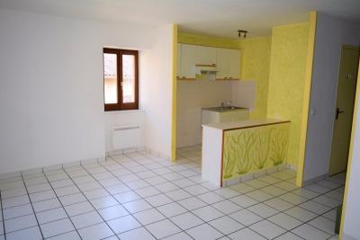 Maison La Sauvetat &bull; <span class='offer-area-number'>77</span> m² environ &bull; <span class='offer-rooms-number'>5</span> pièces
