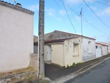 Maison L Aiguillon sur Mer &bull; <span class='offer-area-number'>36</span> m² environ &bull; <span class='offer-rooms-number'>2</span> pièces