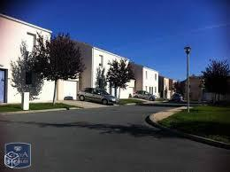 Villa Surgeres &bull; <span class='offer-area-number'>79</span> m² environ &bull; <span class='offer-rooms-number'>4</span> pièces