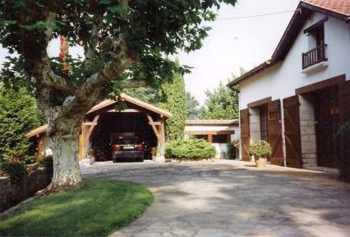 Maison St Laurent de Gosse &bull; <span class='offer-area-number'>200</span> m² environ &bull; <span class='offer-rooms-number'>10</span> pièces