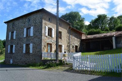 Maison St Just en Chevalet &bull; <span class='offer-area-number'>107</span> m² environ &bull; <span class='offer-rooms-number'>3</span> pièces