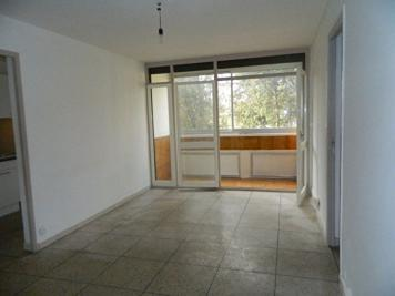 Appartement Marseille 12 &bull; <span class='offer-area-number'>67</span> m² environ &bull; <span class='offer-rooms-number'>4</span> pièces