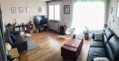 Appartement Auxerre &bull; <span class='offer-area-number'>71</span> m² environ &bull; <span class='offer-rooms-number'>3</span> pièces