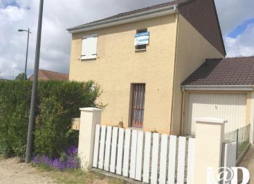 Maison Fleury les Aubrais &bull; <span class='offer-area-number'>95</span> m² environ &bull; <span class='offer-rooms-number'>4</span> pièces
