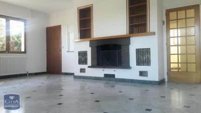 Villa Orlienas &bull; <span class='offer-area-number'>130</span> m² environ &bull; <span class='offer-rooms-number'>5</span> pièces