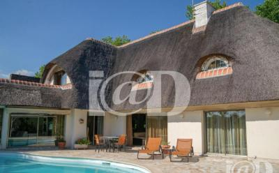 Maison Paris 01 &bull; <span class='offer-area-number'>287</span> m² environ &bull; <span class='offer-rooms-number'>7</span> pièces
