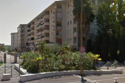 Appartement Juan les Pins &bull; <span class='offer-area-number'>20</span> m² environ
