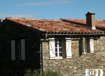 Maison La Garde Freinet &bull; <span class='offer-area-number'>70</span> m² environ &bull; <span class='offer-rooms-number'>3</span> pièces
