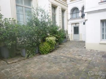 Appartement Paris 02 &bull; <span class='offer-area-number'>87</span> m² environ &bull; <span class='offer-rooms-number'>4</span> pièces