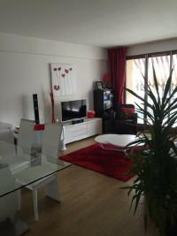Appartement Vincennes &bull; <span class='offer-area-number'>72</span> m² environ &bull; <span class='offer-rooms-number'>3</span> pièces