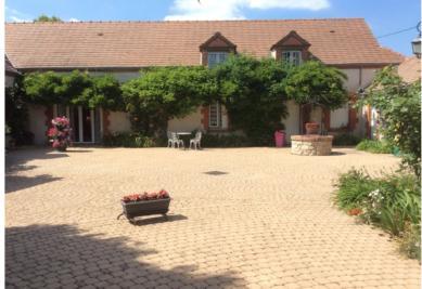 Maison St Benoit sur Loire &bull; <span class='offer-area-number'>230</span> m² environ &bull; <span class='offer-rooms-number'>6</span> pièces