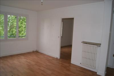 Appartement Clichy sous Bois &bull; <span class='offer-area-number'>51</span> m² environ &bull; <span class='offer-rooms-number'>3</span> pièces