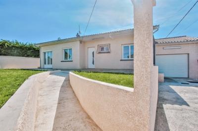Maison Pessat Villeneuve &bull; <span class='offer-area-number'>110</span> m² environ &bull; <span class='offer-rooms-number'>4</span> pièces