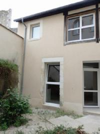 Appartement La Charite sur Loire &bull; <span class='offer-area-number'>37</span> m² environ &bull; <span class='offer-rooms-number'>2</span> pièces