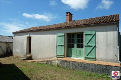 Maison St Benoist sur Mer &bull; <span class='offer-area-number'>60</span> m² environ &bull; <span class='offer-rooms-number'>2</span> pièces