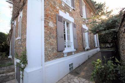 Maison Chatenay Malabry &bull; <span class='offer-area-number'>150</span> m² environ &bull; <span class='offer-rooms-number'>6</span> pièces