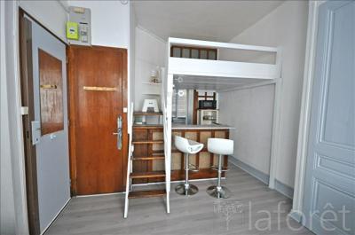 Appartement Lyon 06 &bull; <span class='offer-area-number'>20</span> m² environ &bull; <span class='offer-rooms-number'>1</span> pièce