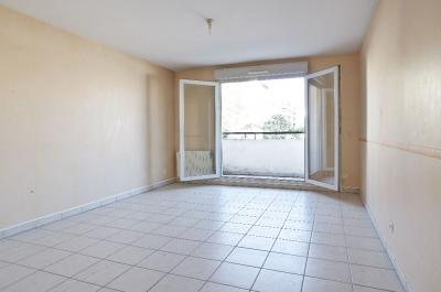Appartement Lyon 03 &bull; <span class='offer-area-number'>62</span> m² environ &bull; <span class='offer-rooms-number'>3</span> pièces