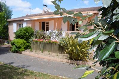 Maison Ste Flaive des Loups &bull; <span class='offer-area-number'>120</span> m² environ &bull; <span class='offer-rooms-number'>5</span> pièces
