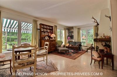 Maison Vitry aux Loges &bull; <span class='offer-area-number'>167</span> m² environ &bull; <span class='offer-rooms-number'>6</span> pièces