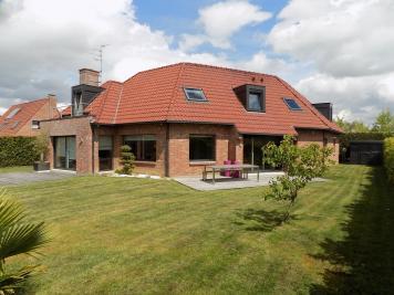 Maison Quesnoy sur Deule &bull; <span class='offer-area-number'>208</span> m² environ &bull; <span class='offer-rooms-number'>8</span> pièces