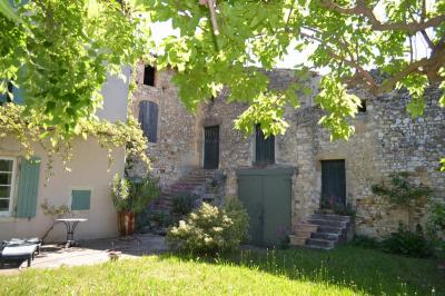 Maison St Laurent de Carnols &bull; <span class='offer-area-number'>166</span> m² environ &bull; <span class='offer-rooms-number'>7</span> pièces