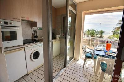 Appartement Canet en Roussillon &bull; <span class='offer-area-number'>47</span> m² environ &bull; <span class='offer-rooms-number'>3</span> pièces