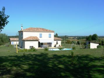 Maison Plaisance &bull; <span class='offer-area-number'>163</span> m² environ &bull; <span class='offer-rooms-number'>7</span> pièces